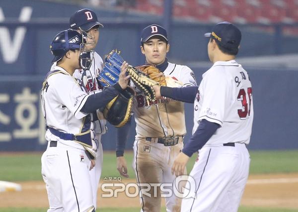 [포토Q] 두산 베어스 '한화전 3-0으로 승리'