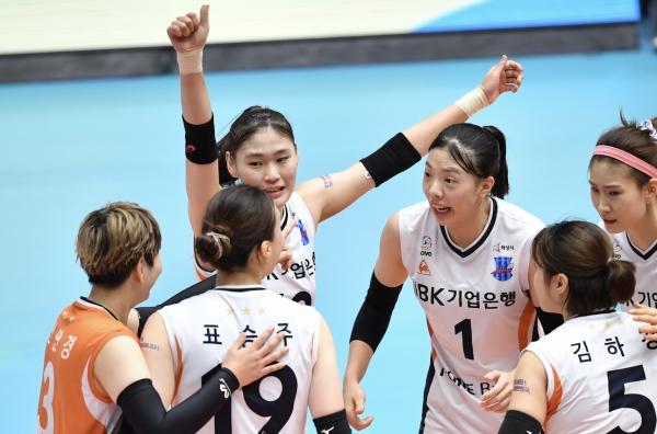 국가대표 김주향-육서영